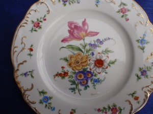A  Dresden Plate, Designed by Alfredo Toledano