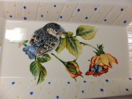 bird painting on porcelain, bird with a butterfly, European style bird