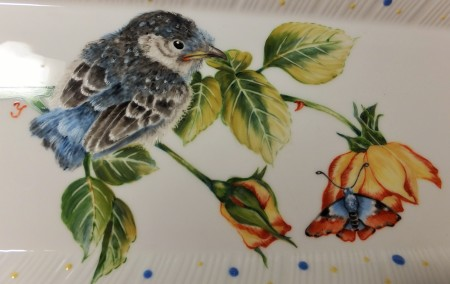bird painting on porcelain, bird with a butterfly, European style bird
